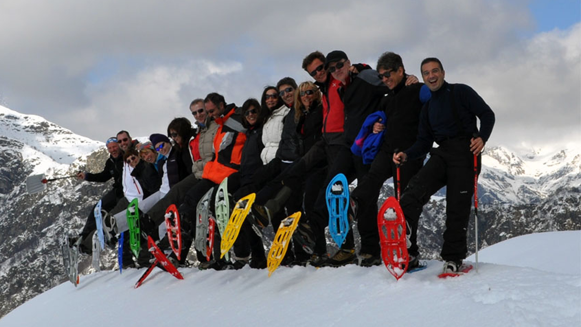 Mountain-planet-ciaspolate-snowshoeing-italy