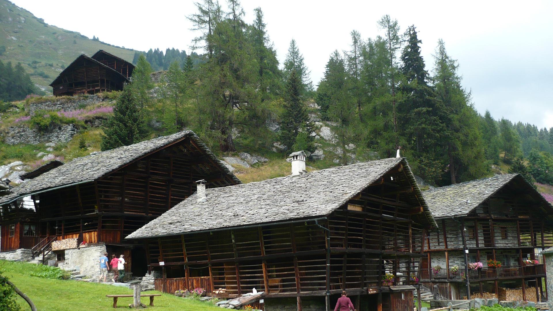 Calendario attivit estate in evidenza tour del monte for Piccoli piani di baite
